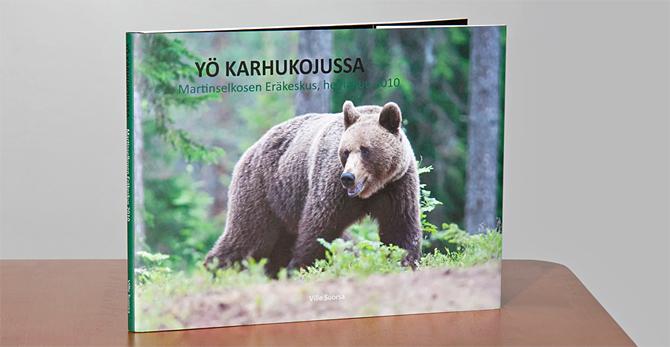 Yö karhukojussa -kuvakirja