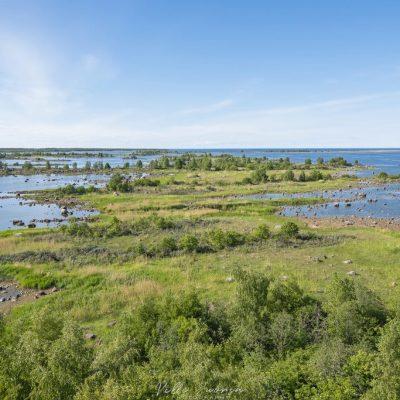 Tornista avautuu hieno maisema saaristoon